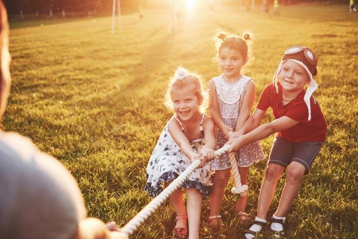 jeu de la corde avec enfants